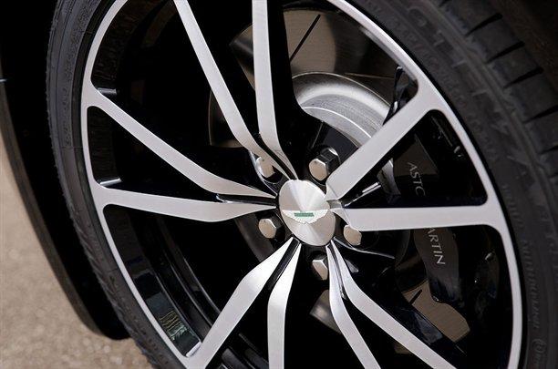 Aston Martin V8 Vantage N420 Roadster. Aston Martin N420 Roadster 9