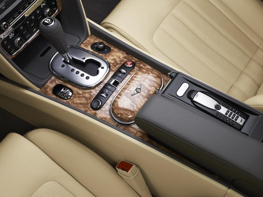Bentley Continental GTC 2011 12