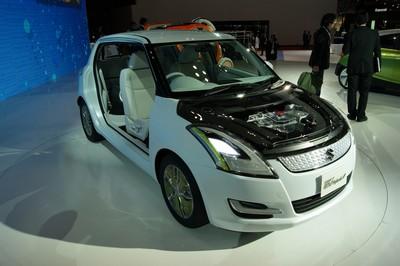 Suzuki Swift EV Hybrid Tokyo 2011 (2)