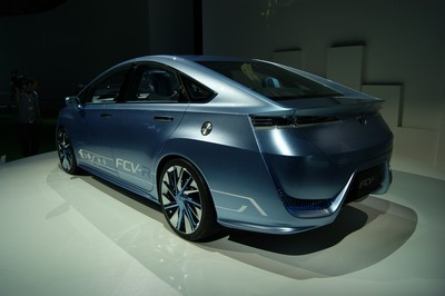 Toyota FCV-R (Fuel Cell Vehicle - Reality & Revolution) Concept Tokyo 2011