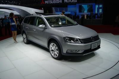 Volkswagen Passat Alltrack Tokyo 2011 (2)