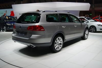 Volkswagen Passat Alltrack Tokyo 2011