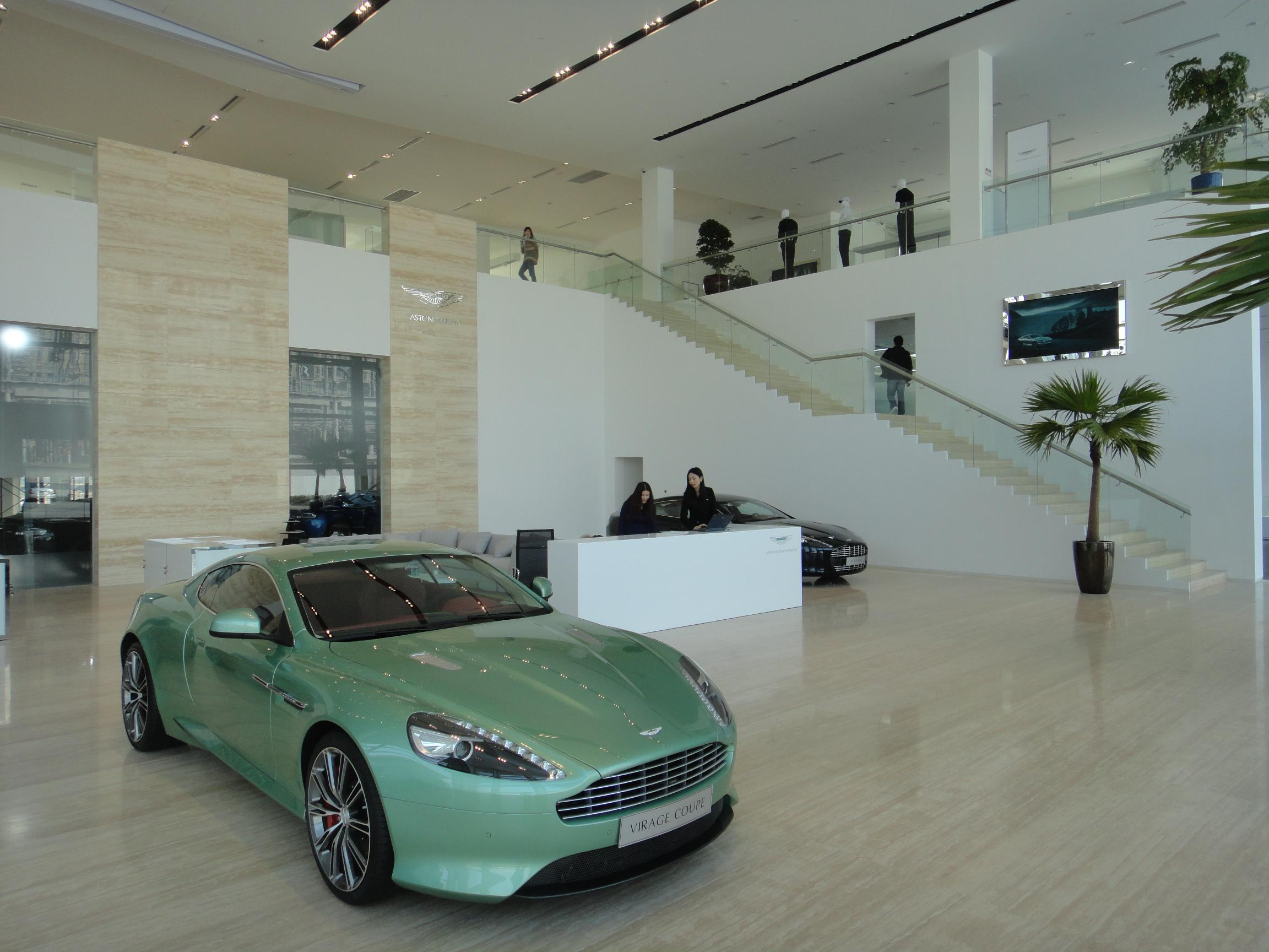 newmotoring aston martin opens shanghai showroom newmotoring. Black Bedroom Furniture Sets. Home Design Ideas
