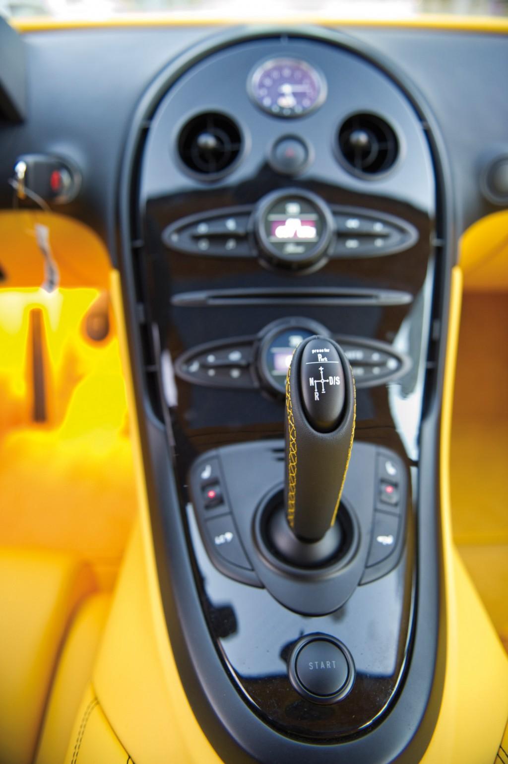 Bugatti Veyron Grand Sport Yellow 10