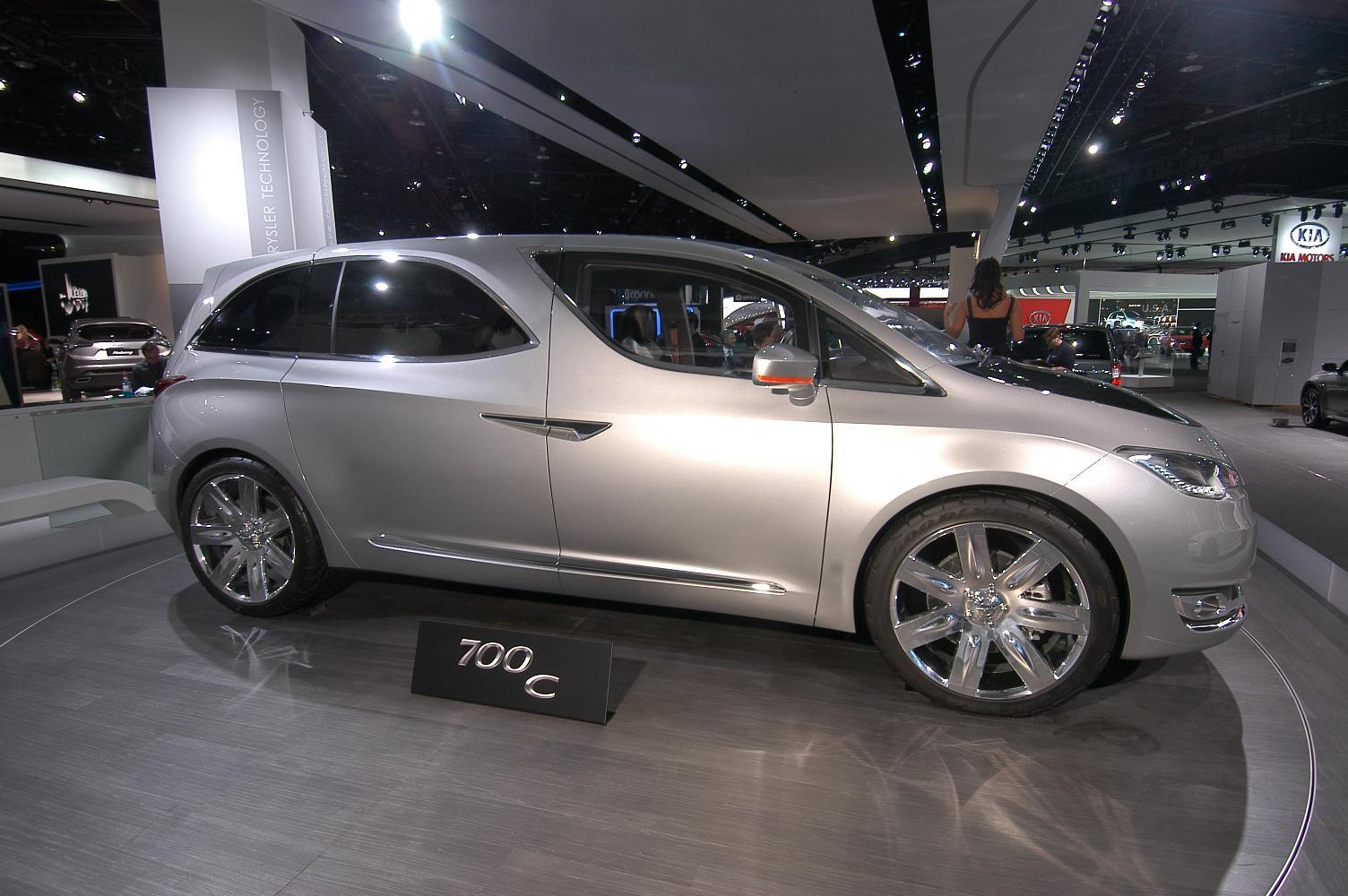 Chrysler 700C NAIAS 2012 3