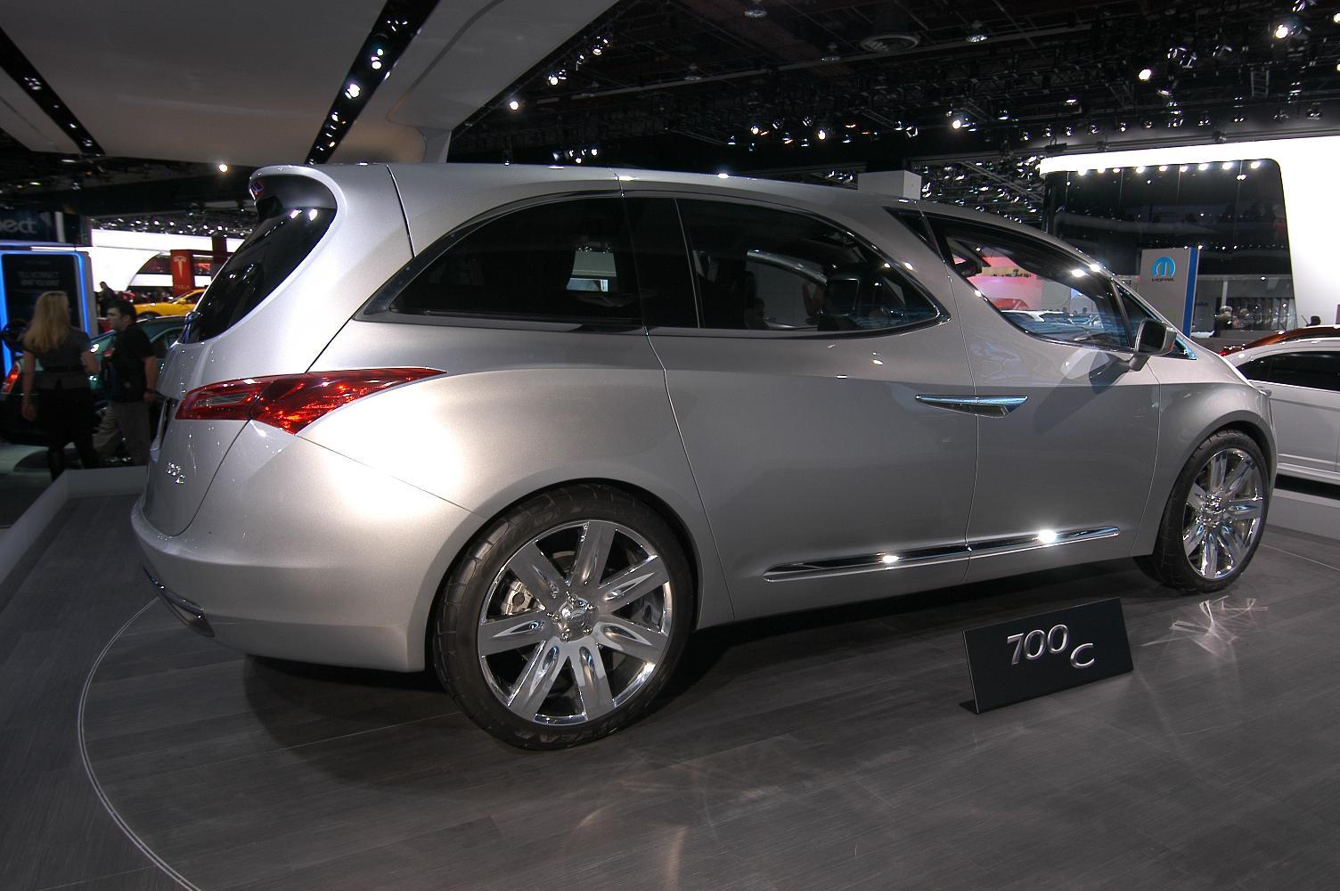 Chrysler 700C NAIAS 2012