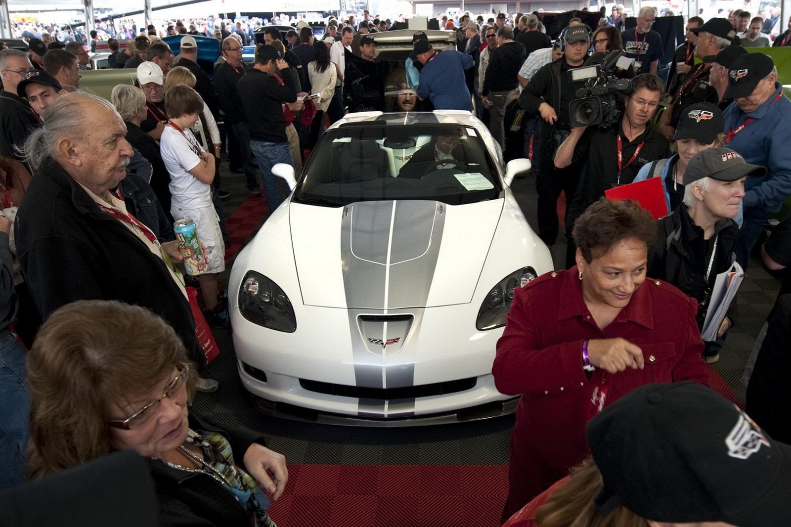 Corvette 427 Convertible 2013 Auction 2
