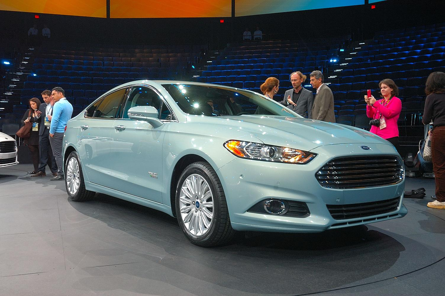 Ford Fusion NAIAS 2012 2