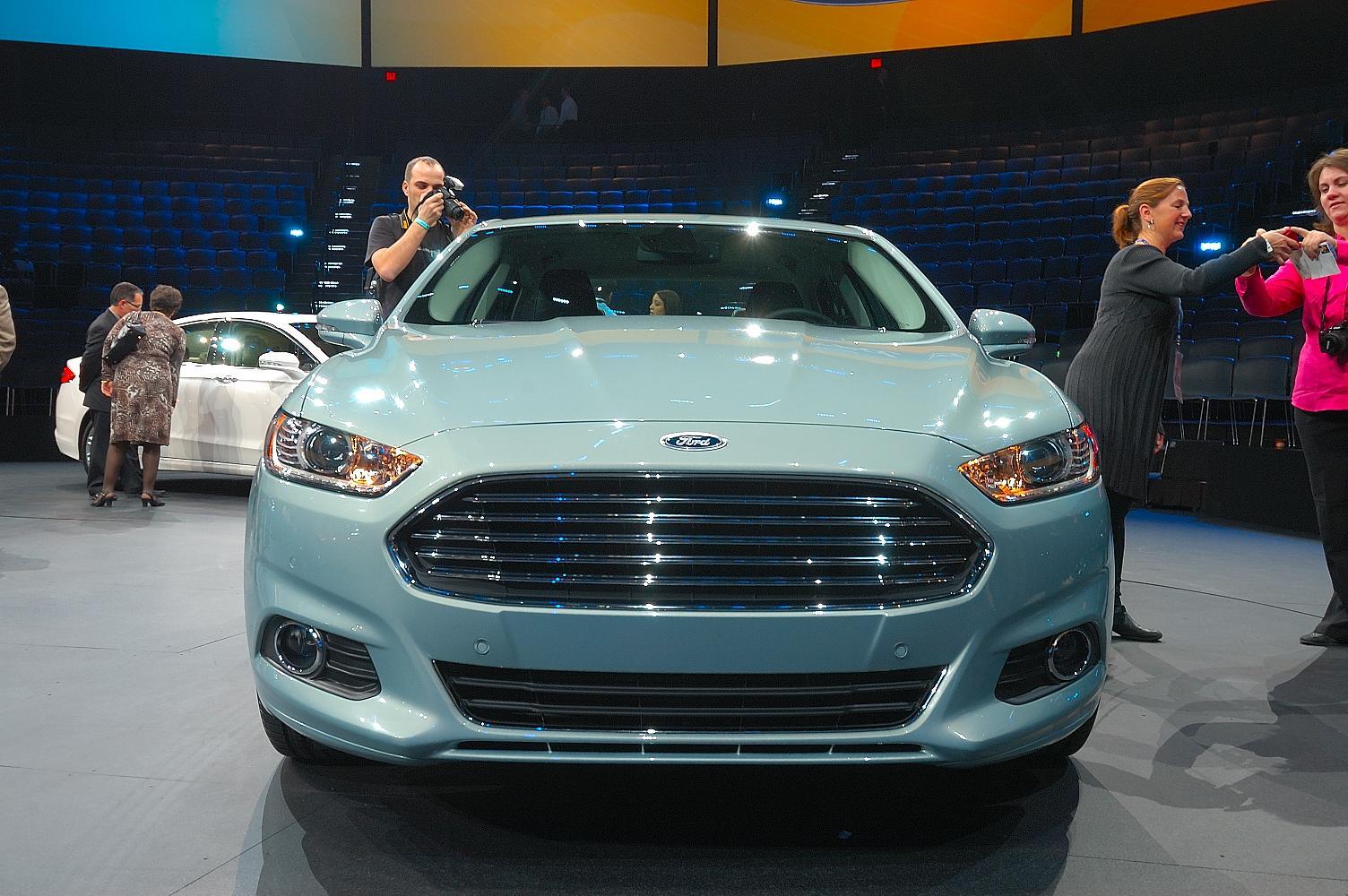 Ford Fusion NAIAS 2012 3