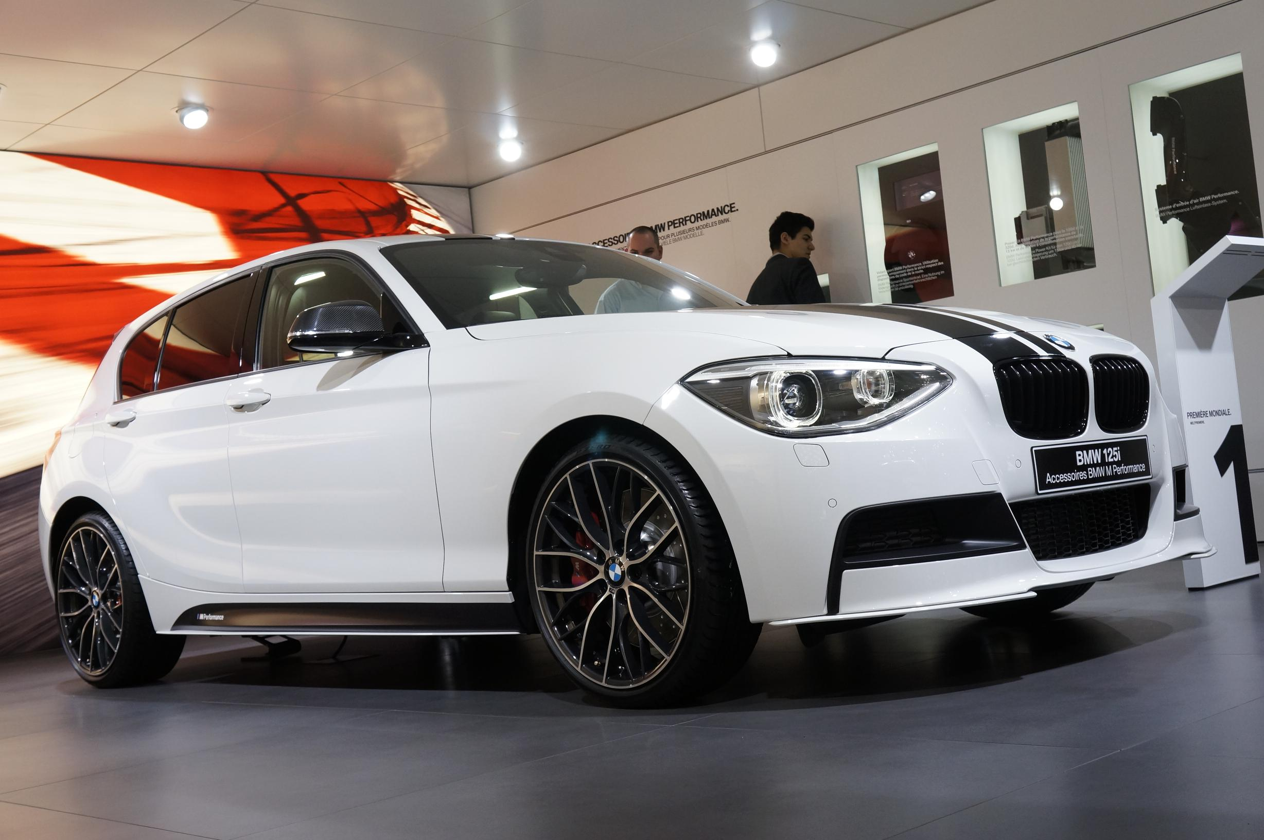 BMW 125i Geneva 2012 Side