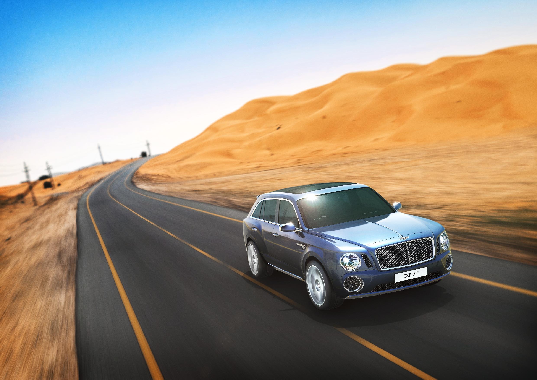 Bentley EXP 9 F Driving