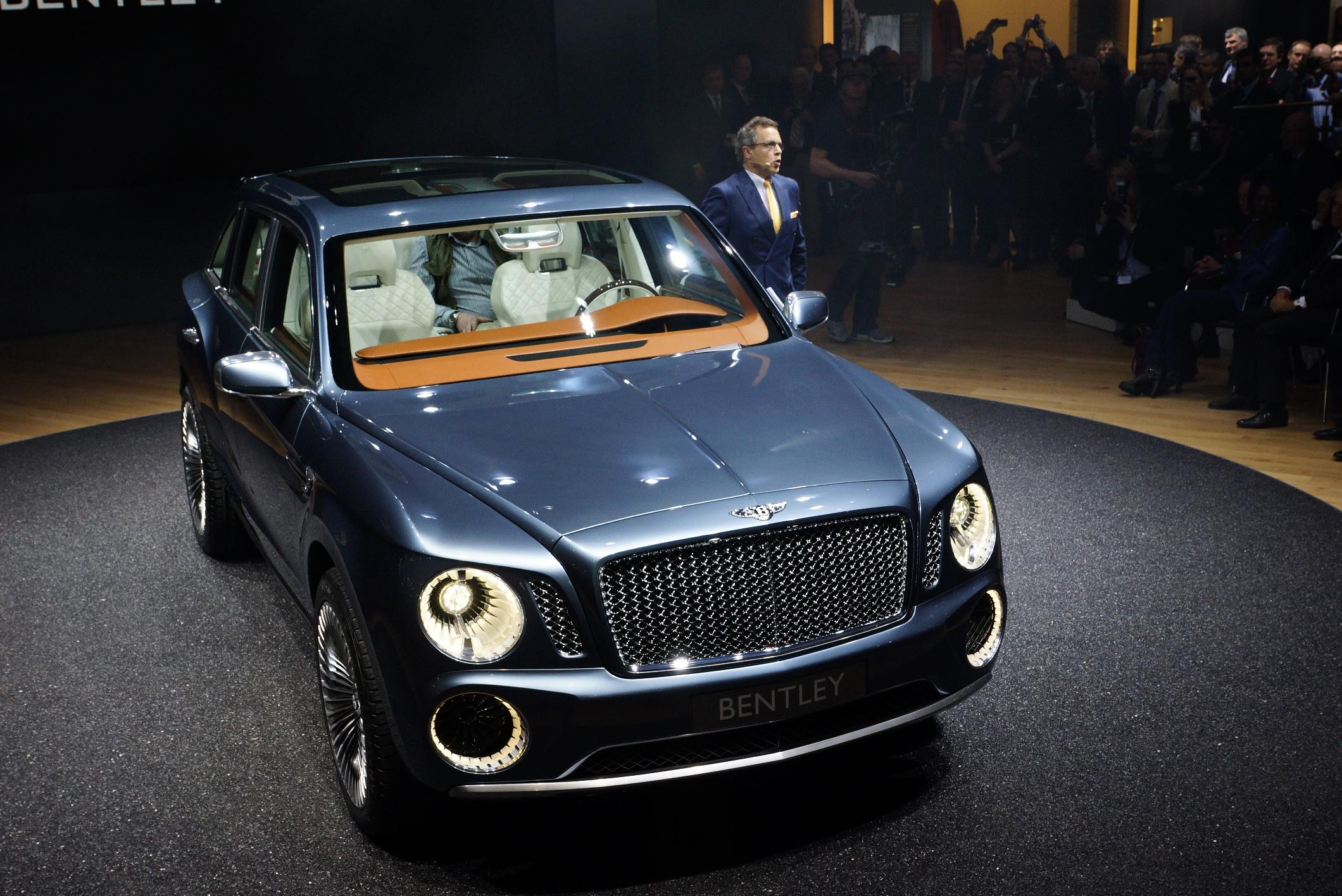 Bentley EXP 9 F Geneva 2012 Front 2