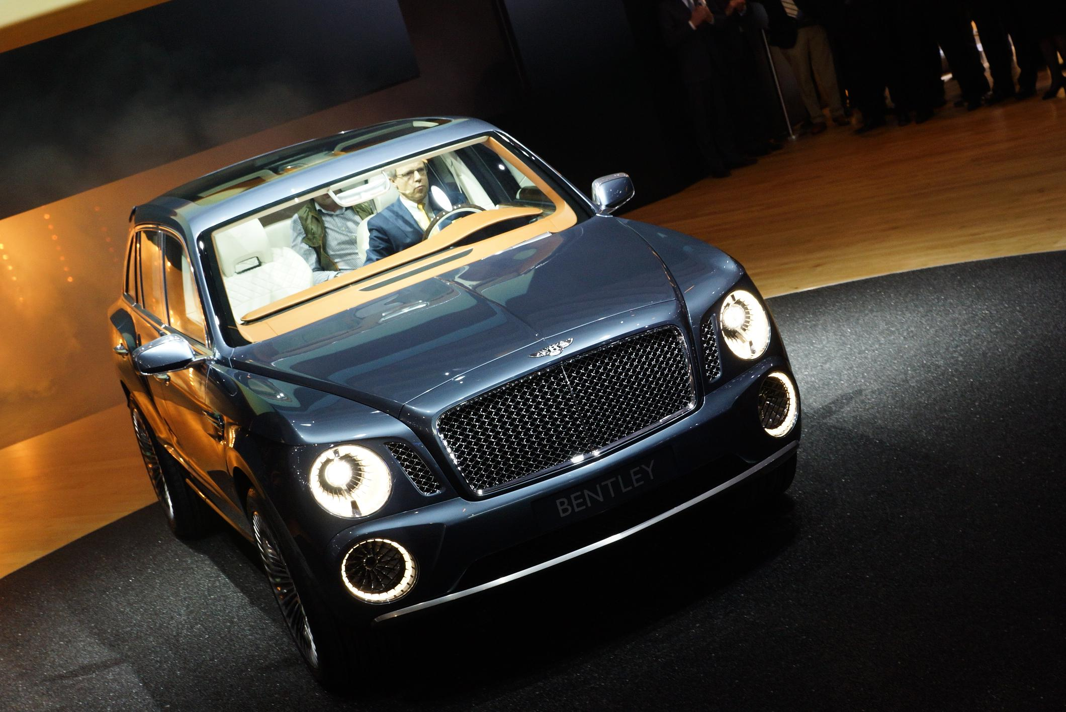 Bentley EXP 9 F Geneva 2012 Front