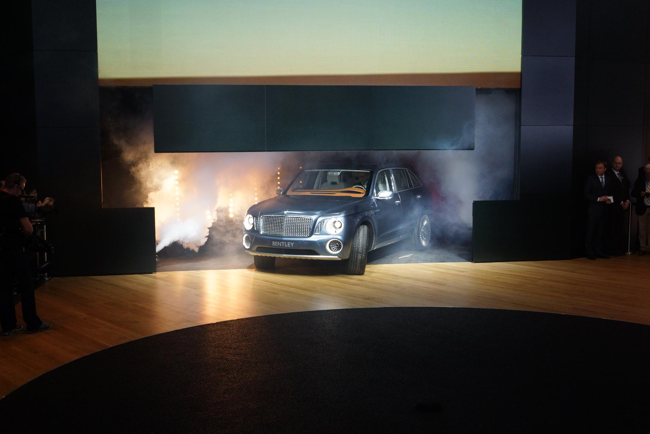 Bentley EXP 9 F Geneva 2012 Unveiling