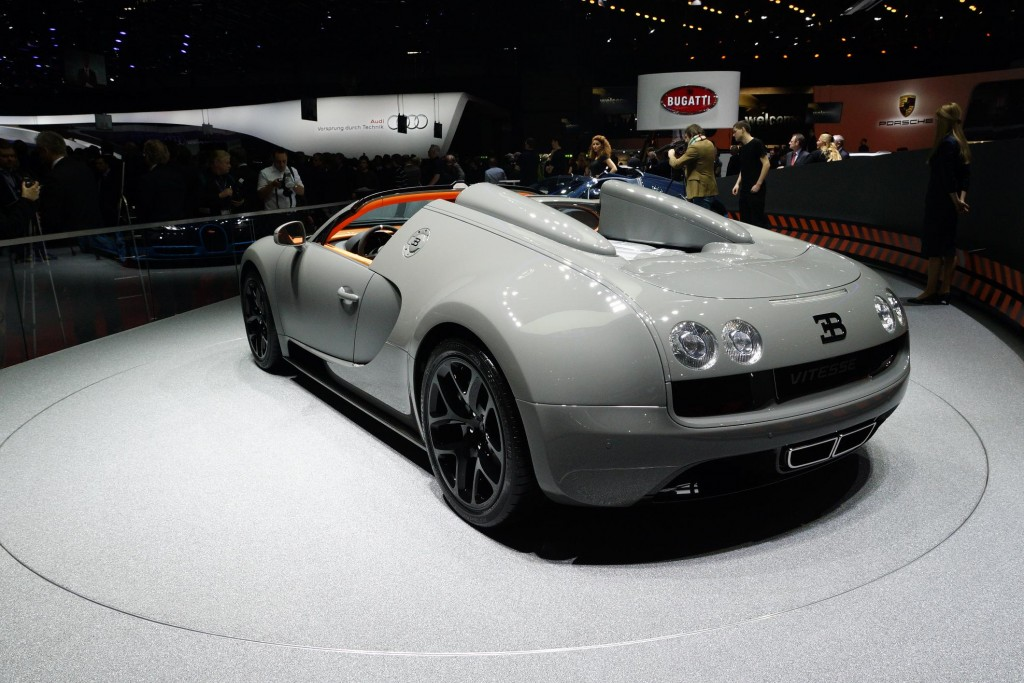 newmotoring bugatti veyron grand sport vitesse geneva 2012 rear newmotoring. Black Bedroom Furniture Sets. Home Design Ideas