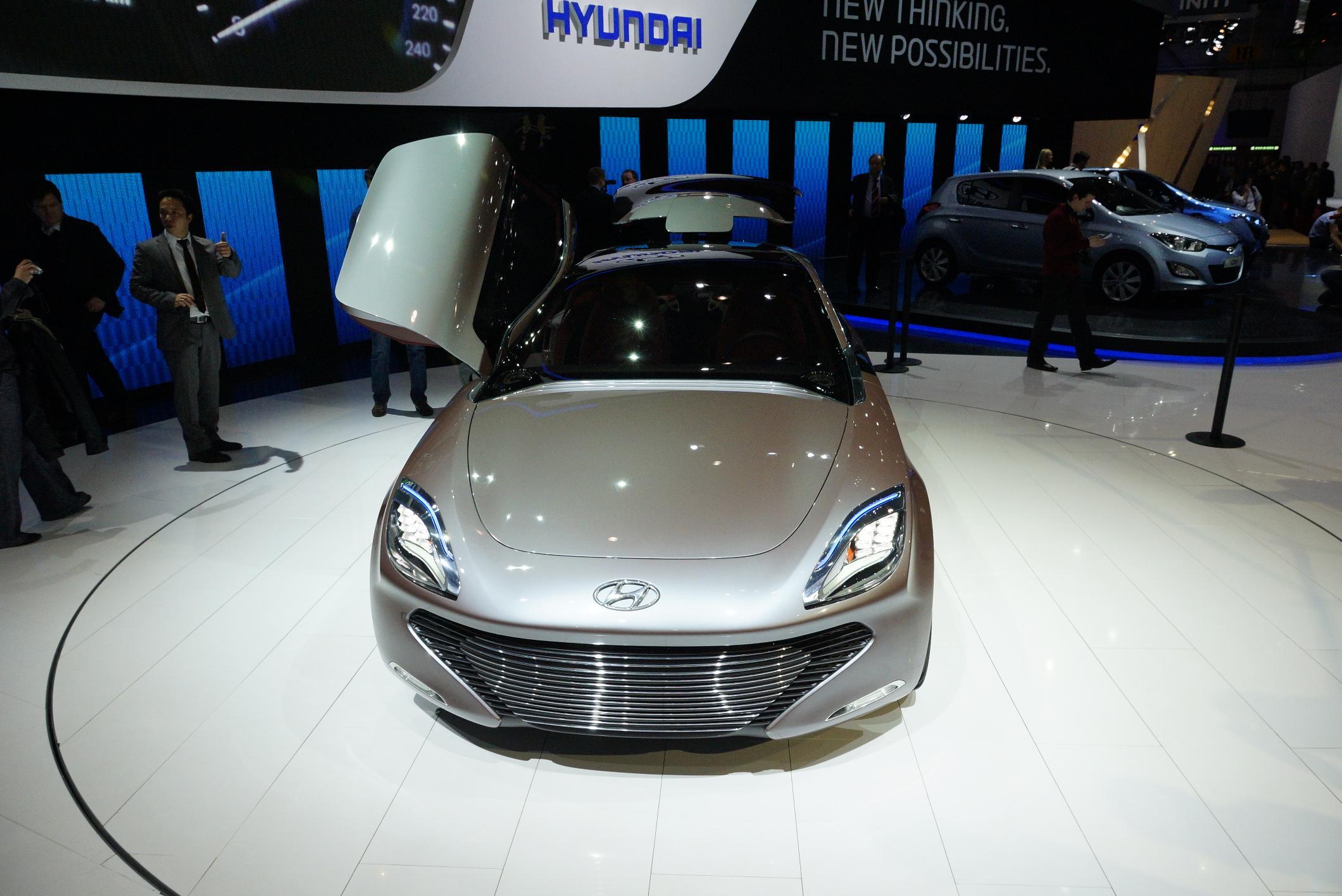 Hyundai i-oniq Geneva 2012 Front