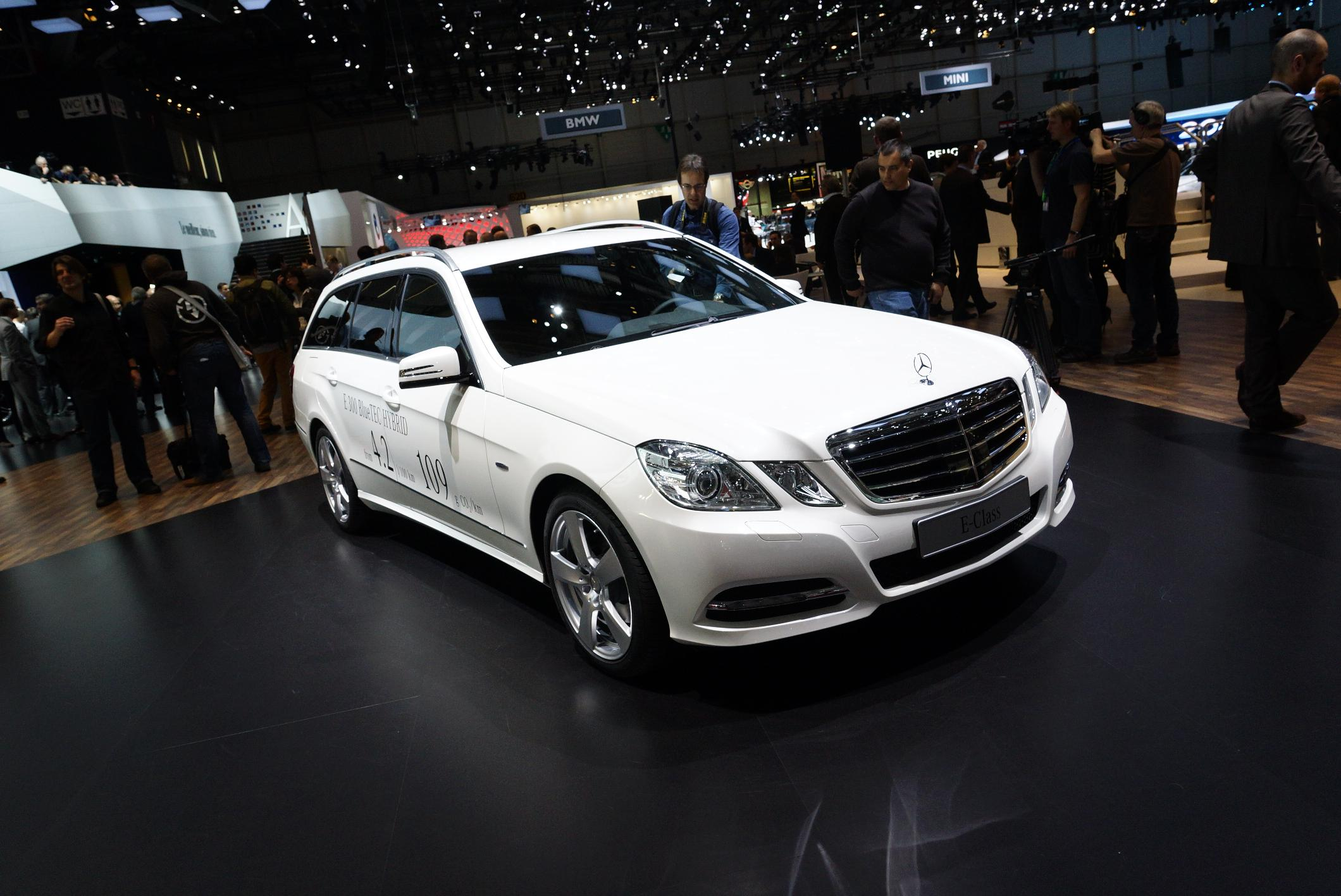Mercedes E300 BlueTEC HYBRID Geneva 2012