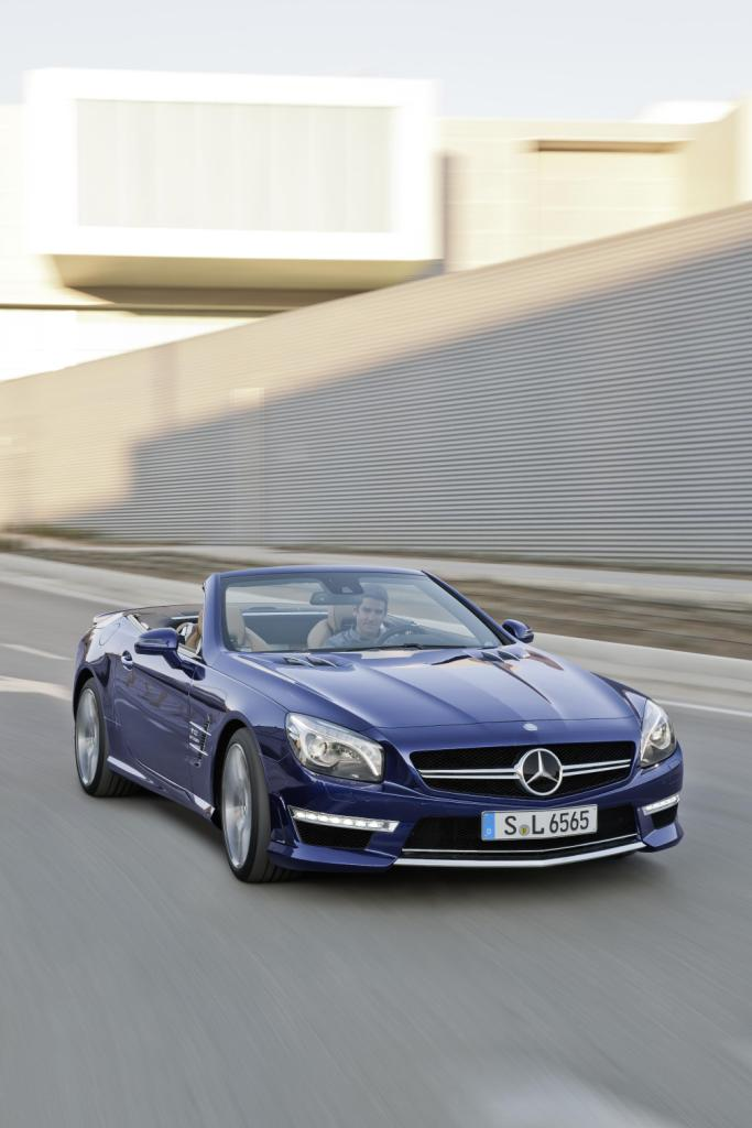 Mercedes SL65 AMG Roof Down