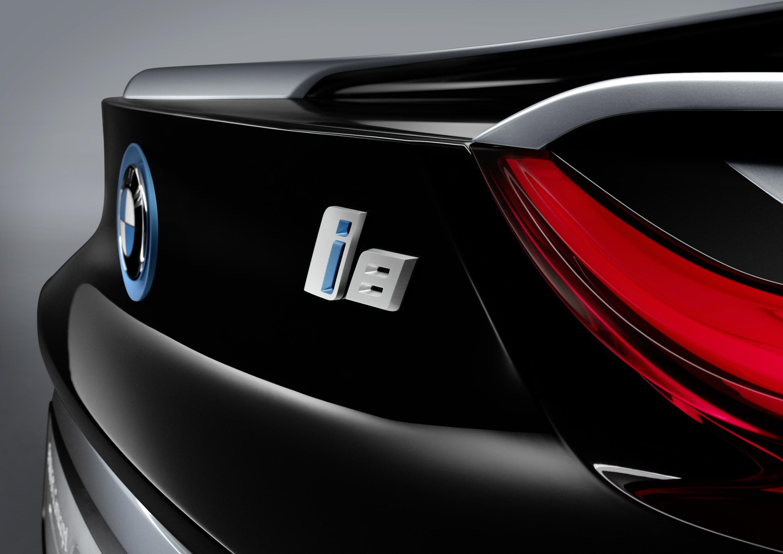 BMW i8 Spyder Logo