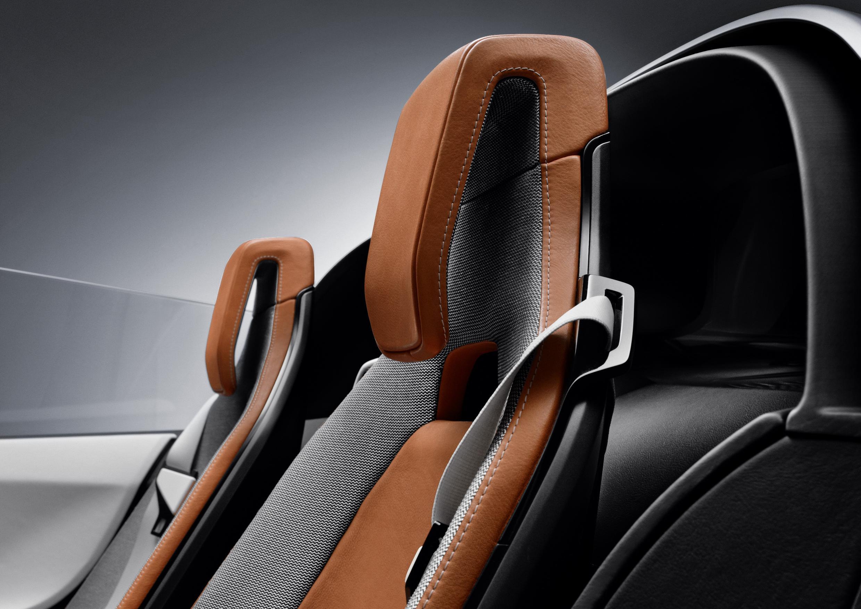 BMW i8 Spyder Seats