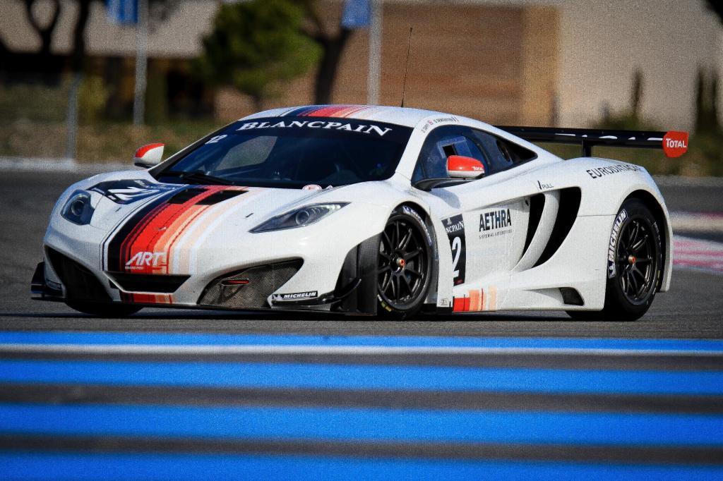 McLaren MP4-12C GT3 4