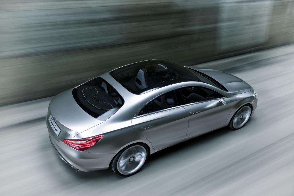 Mercedes Concept Style Coupé Driving