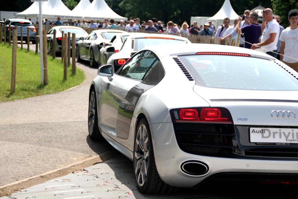 Audi R8 Traffic Jam