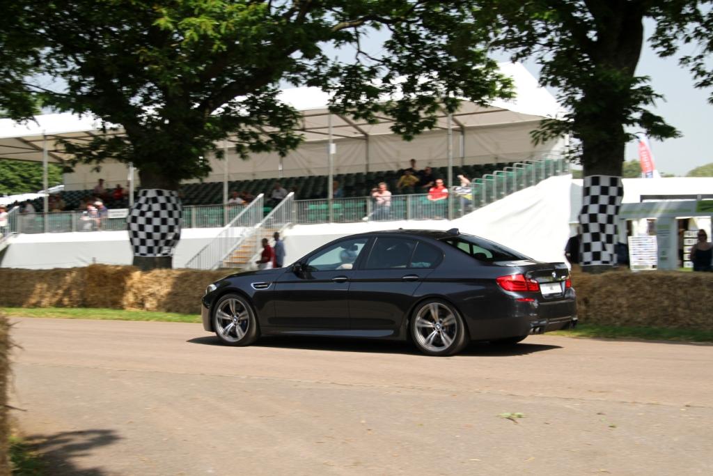 BMW M5 Start