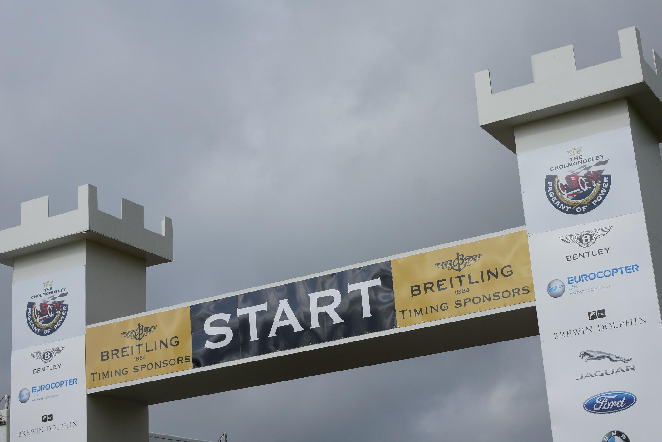 Cholmondeley Start Line 2012