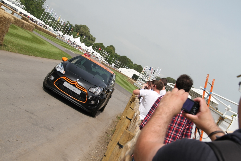 Citroen DS3 Racing Crash Croud
