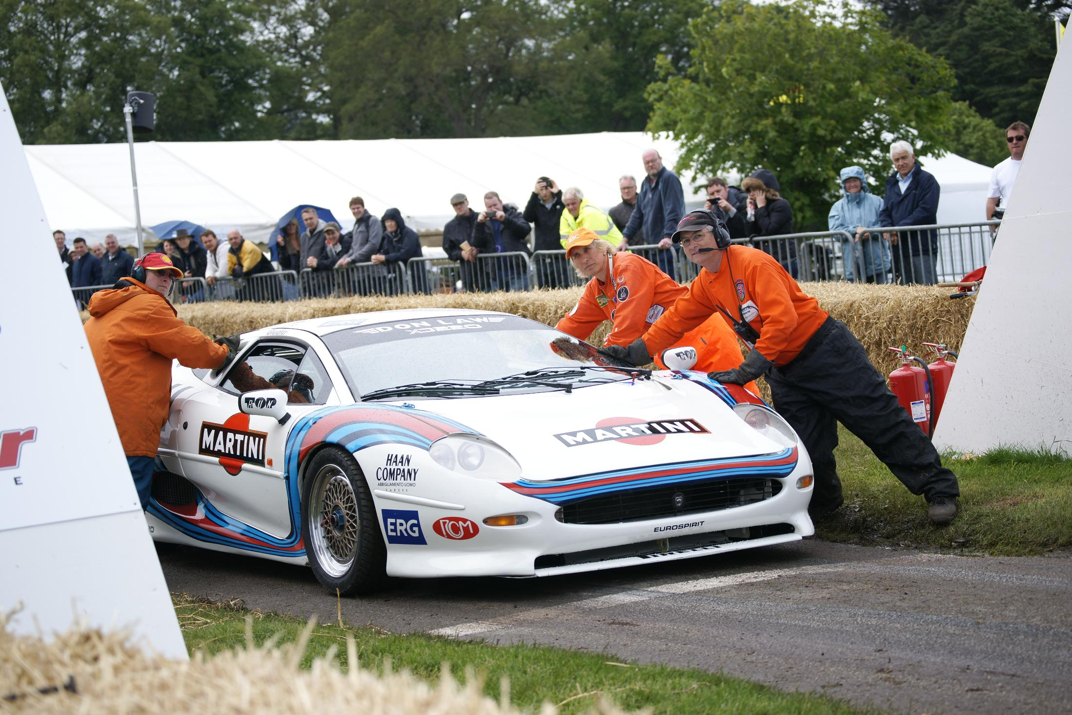 Jaguar XJ220 Cholmondeley 2012