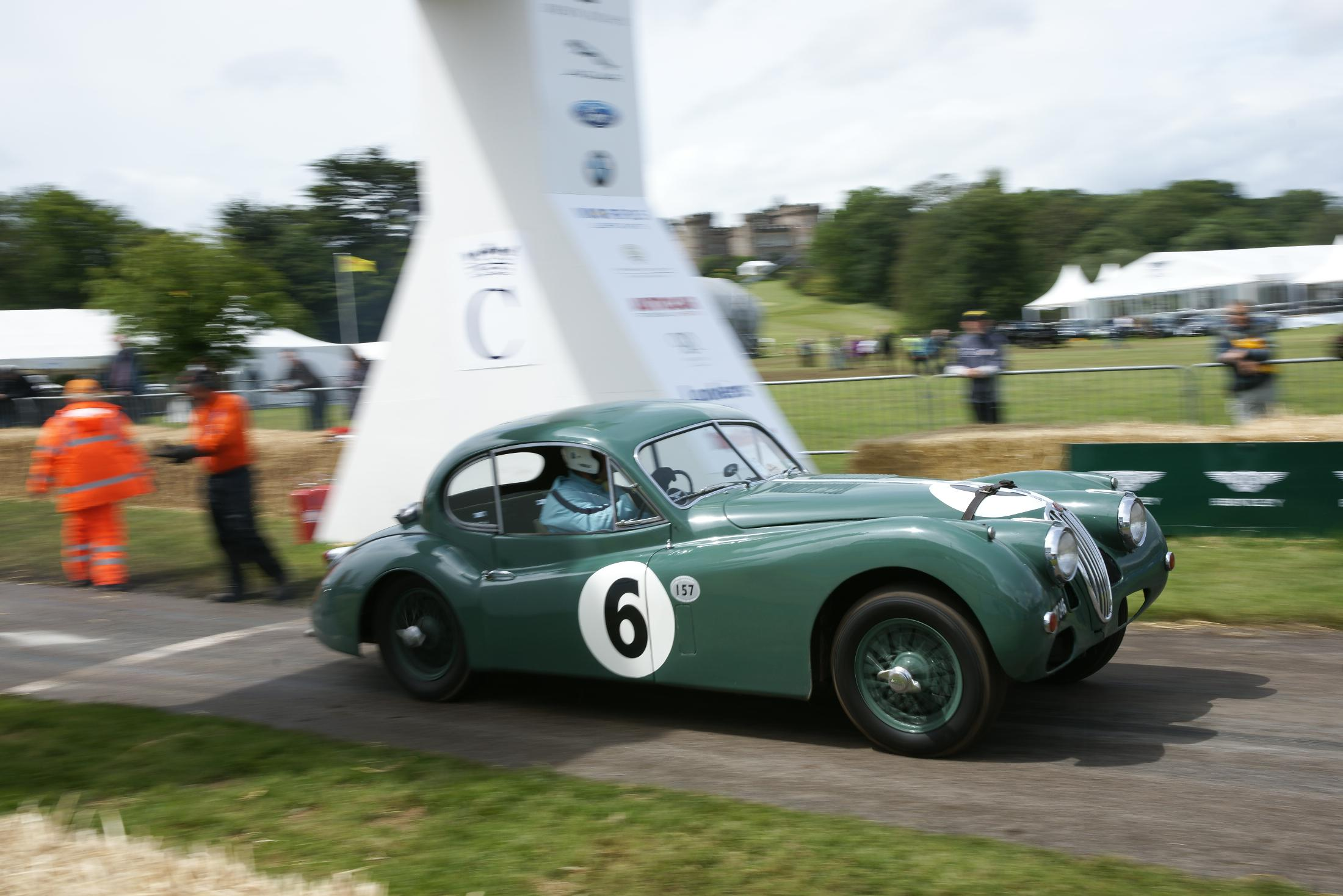 Jaguar XK 140 Cholmondeley 2012