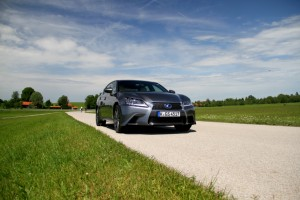 Lexus GS 450h F Sport Front Grille