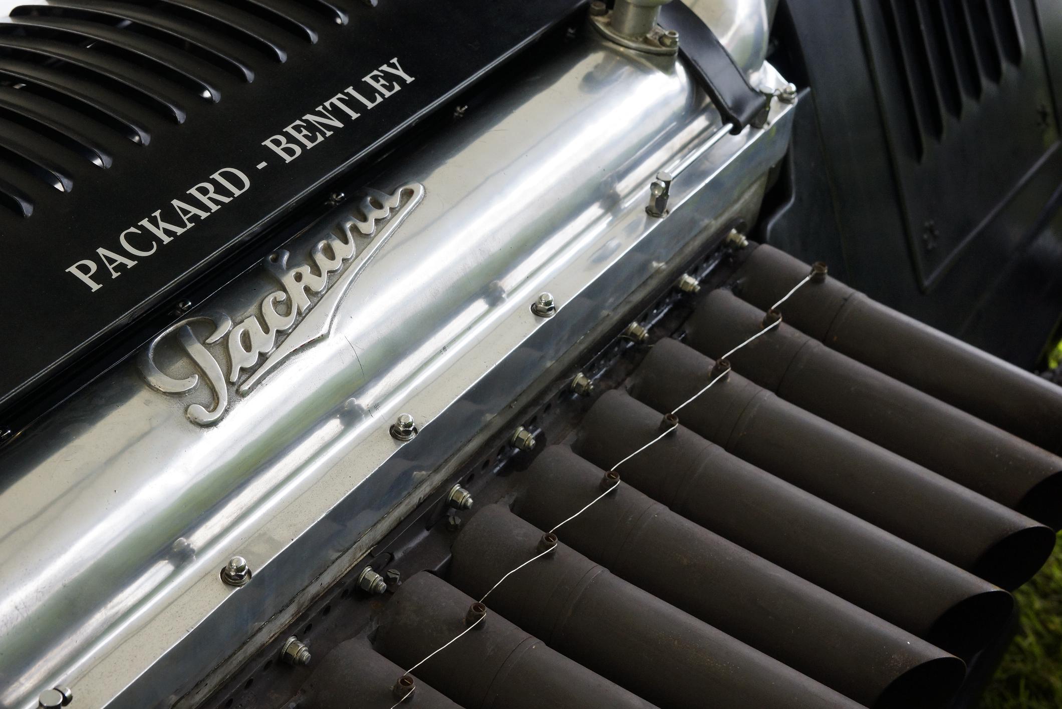 Packard Bentley Badge Cholmondeley 2012
