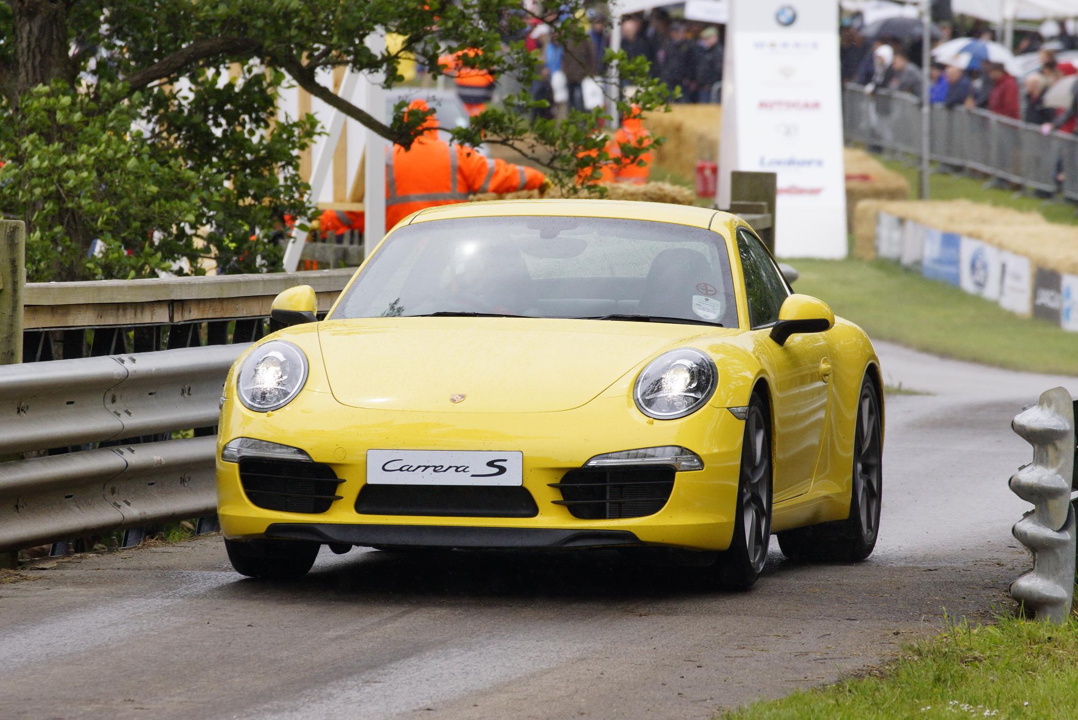 Porsche 911 Carrera S Cholmondeley 2012