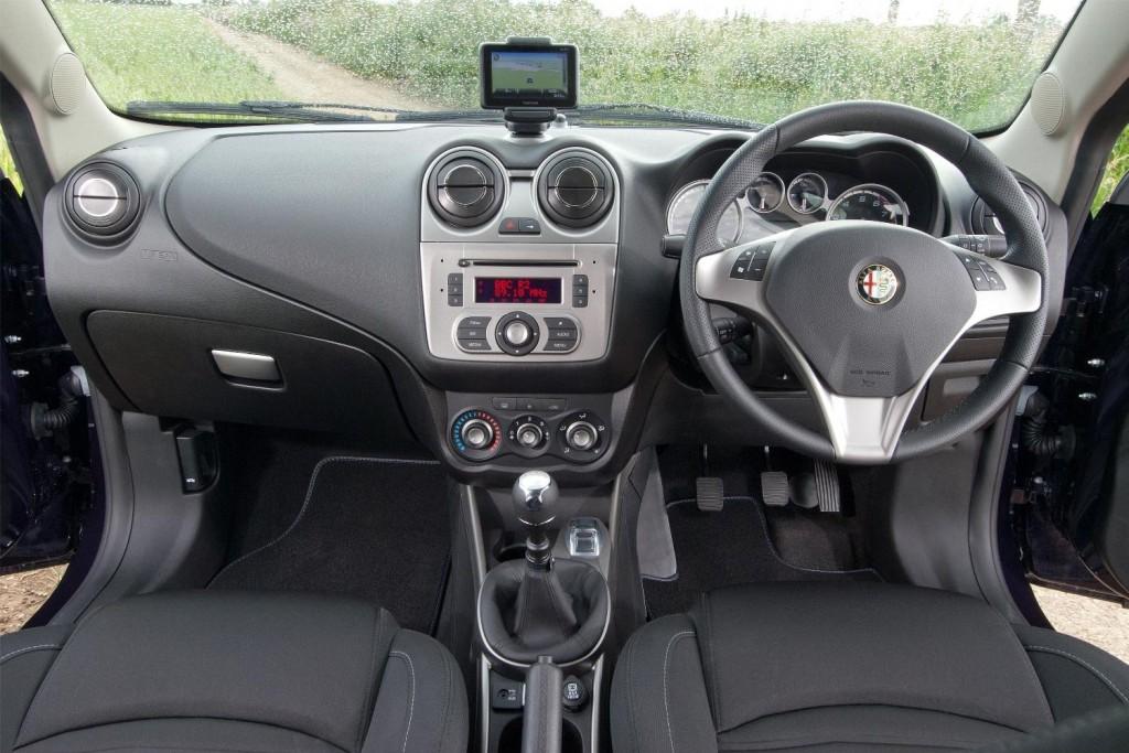 NewMotoring Alfa Romeo Mito TwinAir Turbo Interior – NewMotoring
