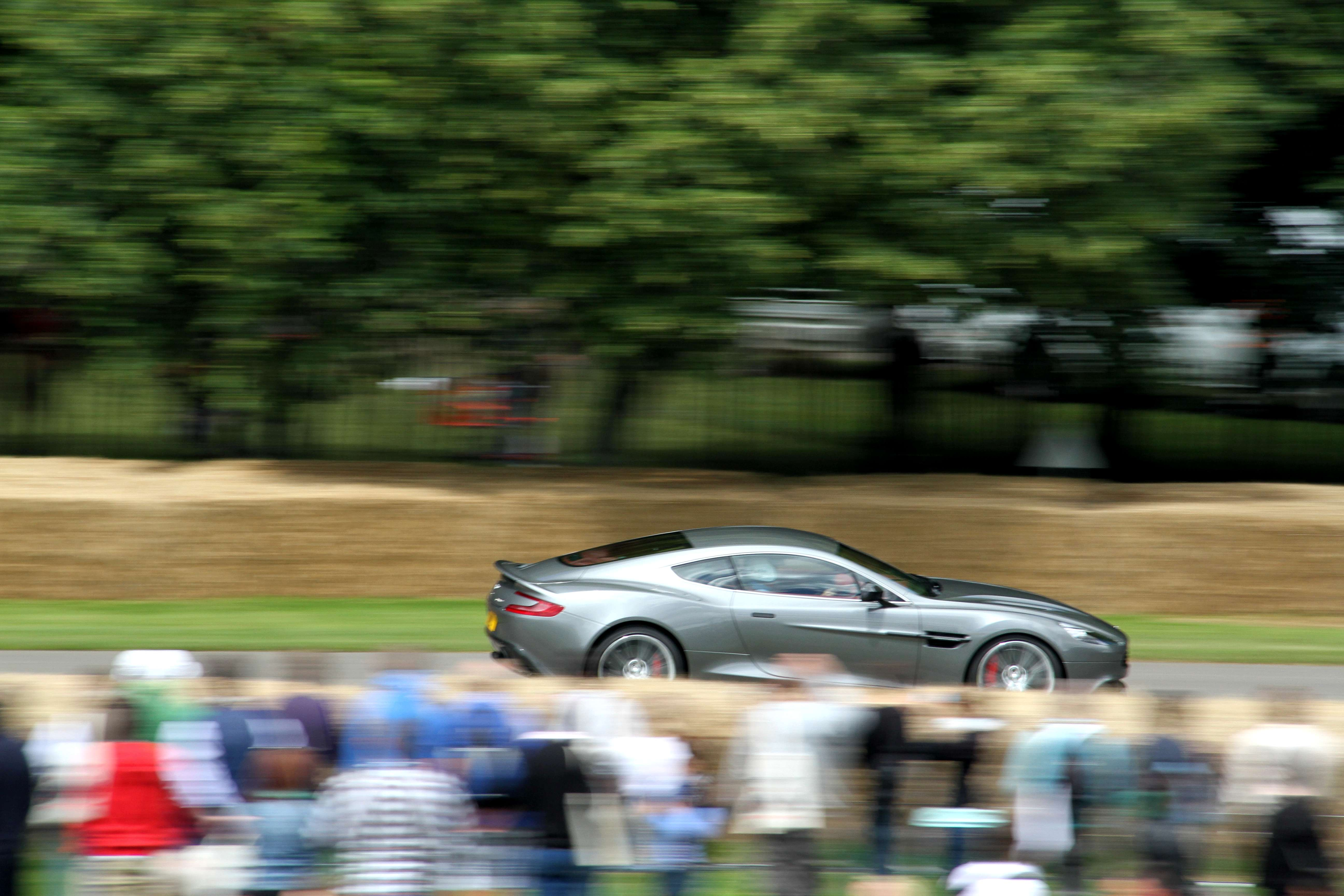 Aston Martin Vanquish Side