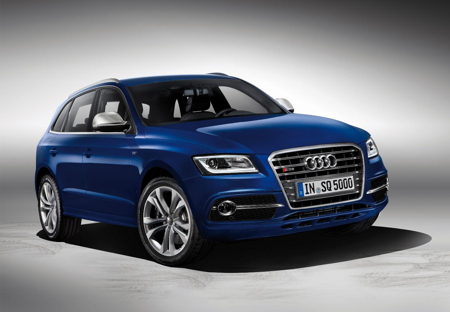 Audi SQ5 Front Side
