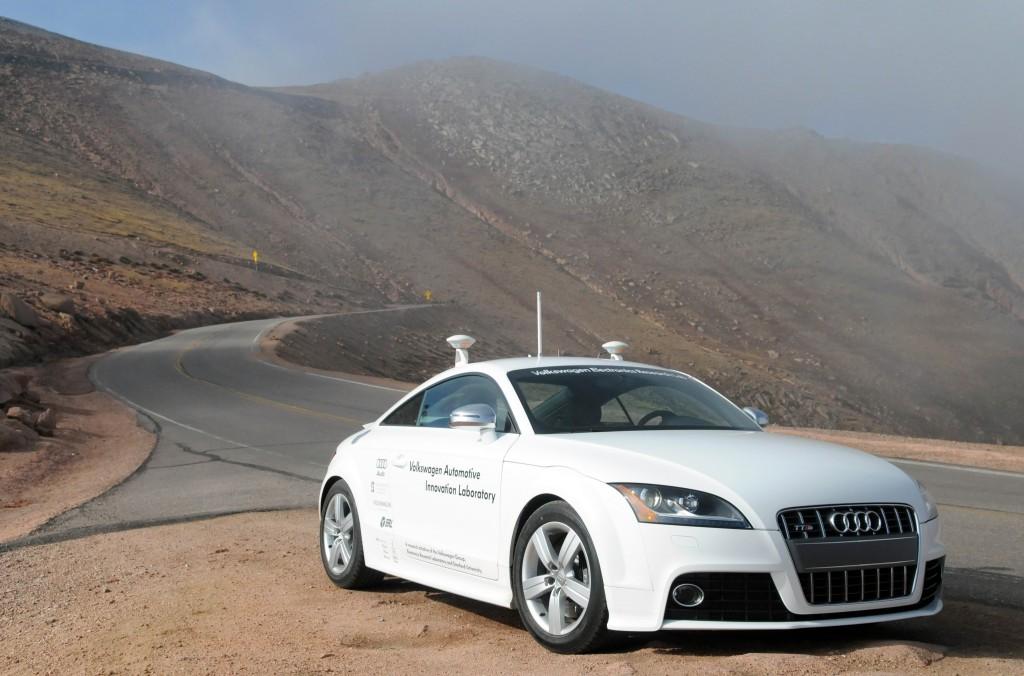 newmotoring audi tts self driving car newmotoring. Black Bedroom Furniture Sets. Home Design Ideas