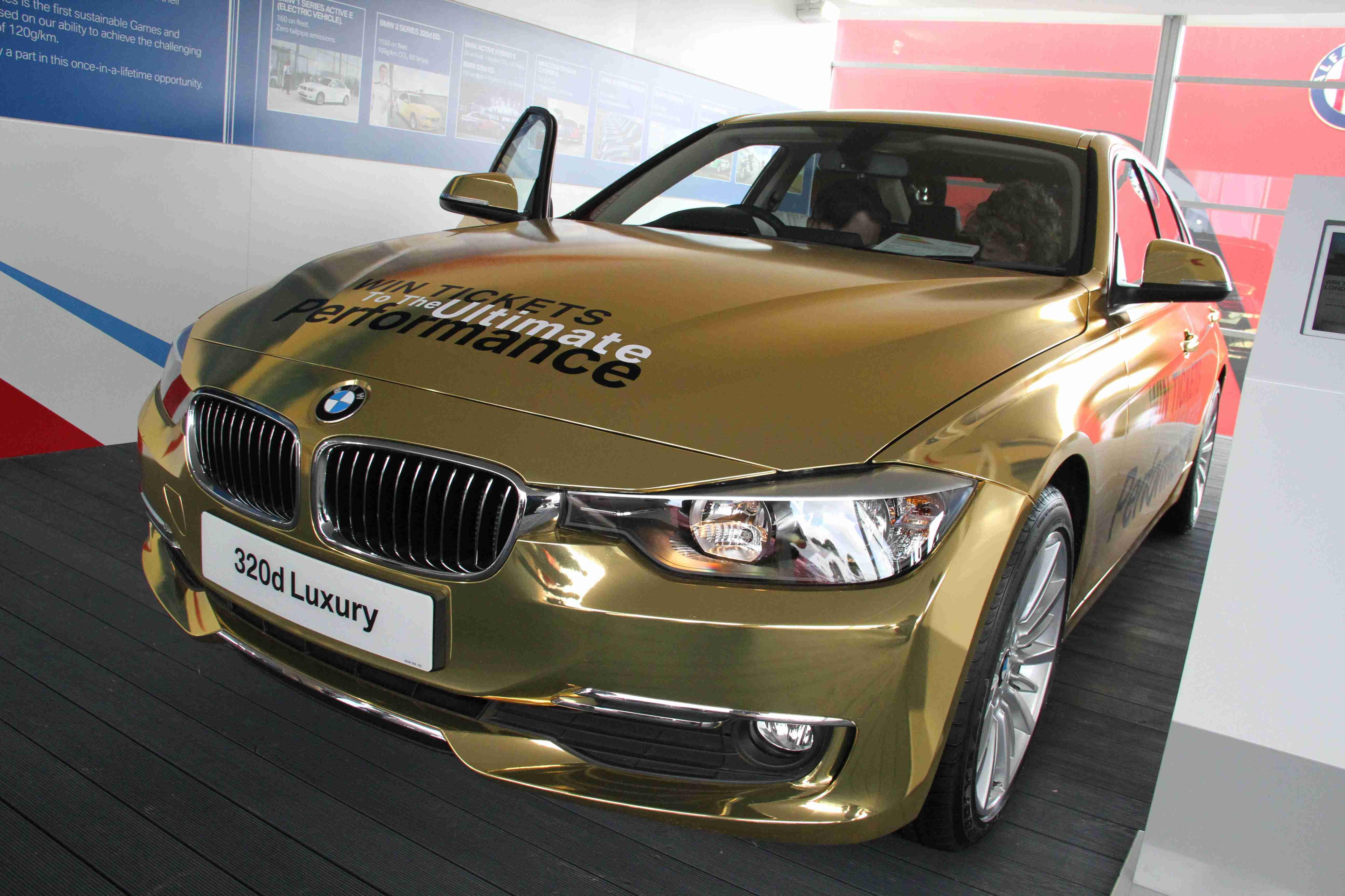 BMW 320d Luxury Gold