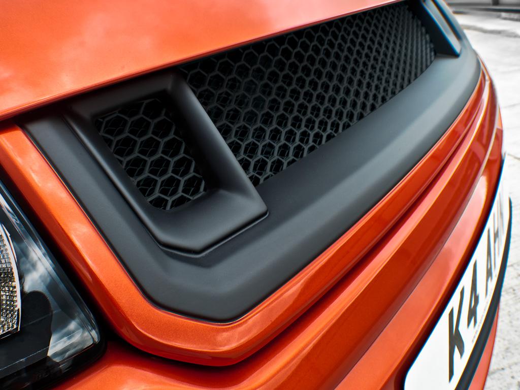 Kahn RS250 Evoque  Vesuvius Edition Range Rover Front Grille