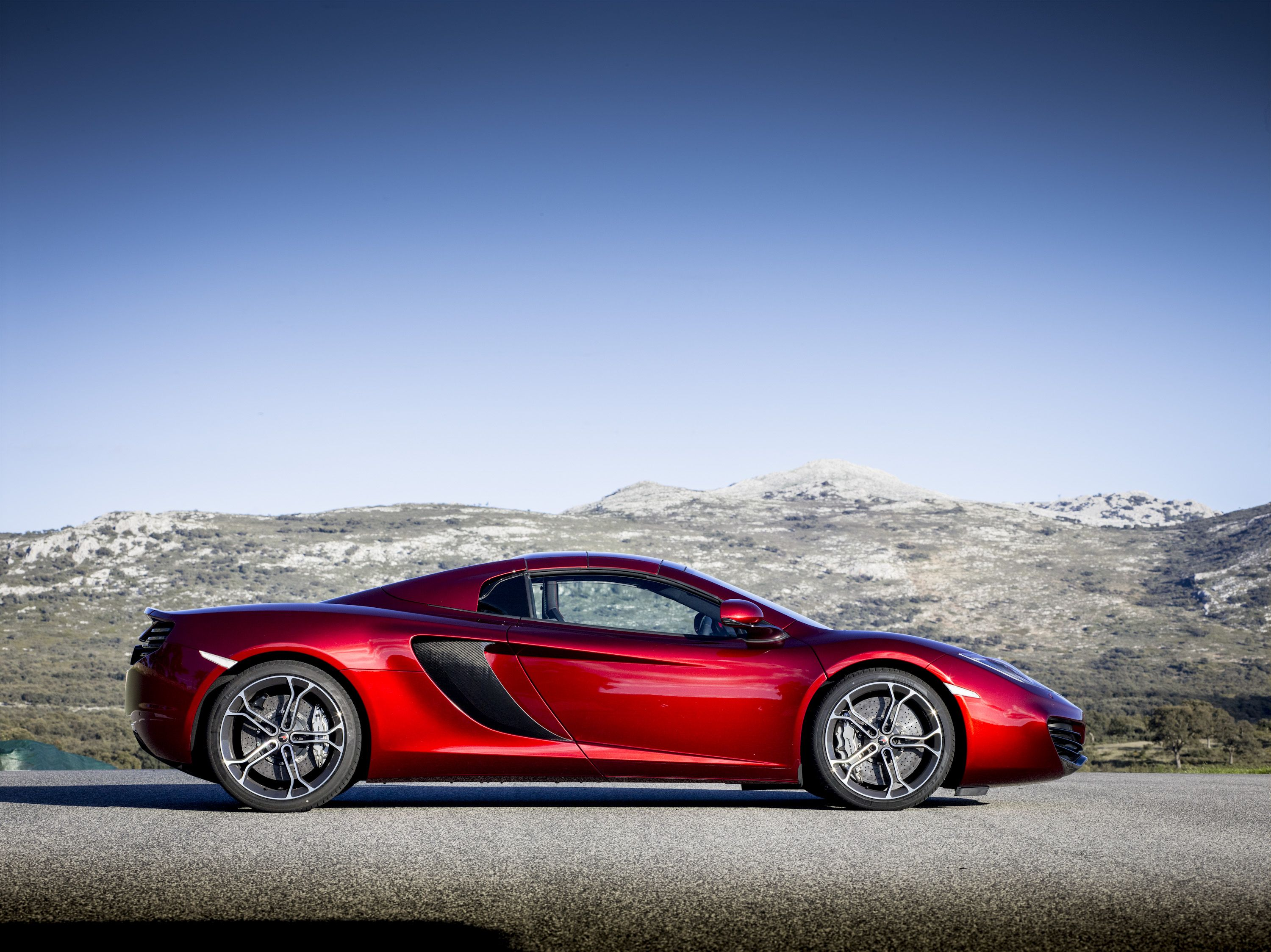 McLaren MP4-12C Spider Roof Up