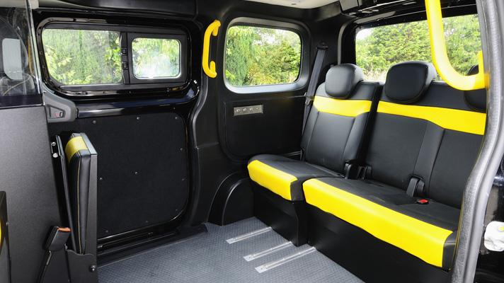 Nissan_NV200_Black_Cab_03