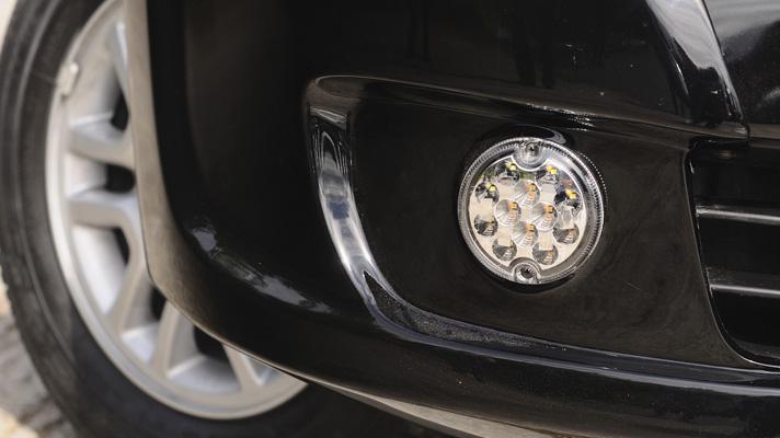 Nissan_NV200_Black_Cab_06