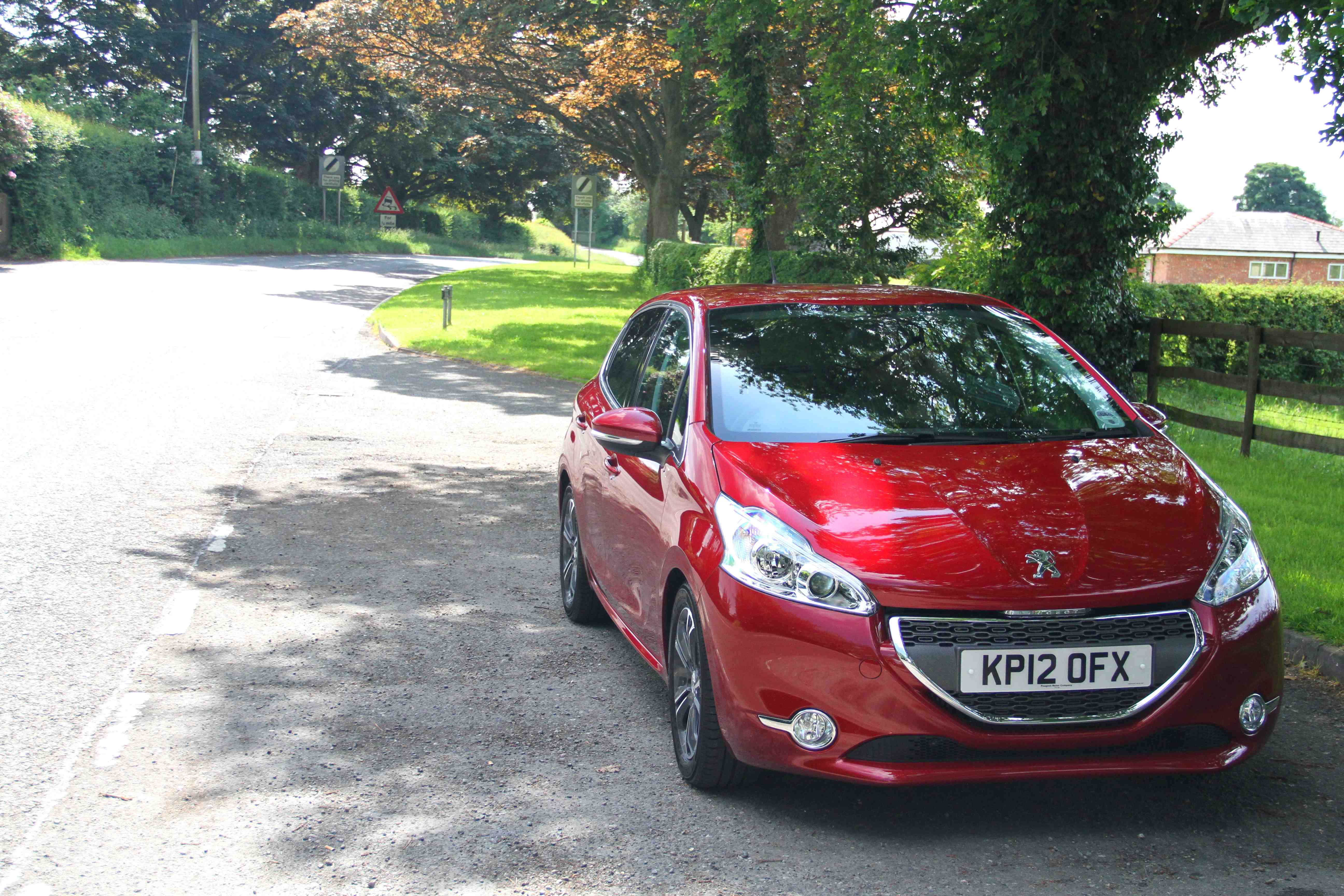 Peugeot 208 Parked Front