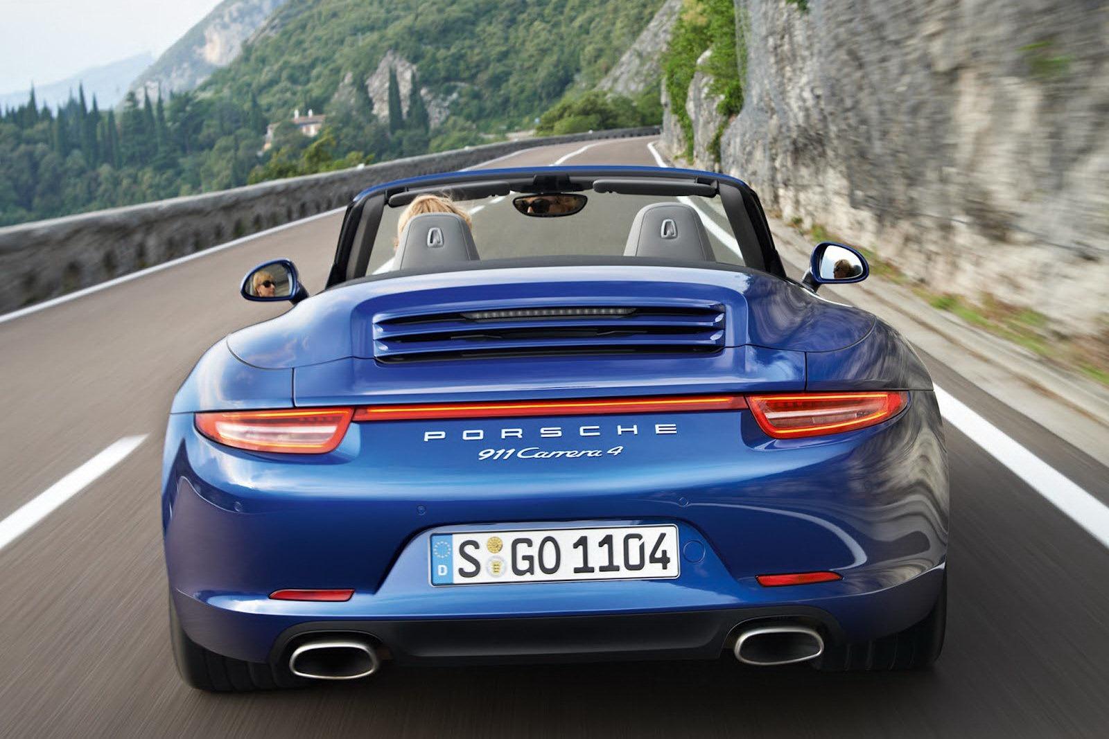 Porsche_911_Carrera_4_05