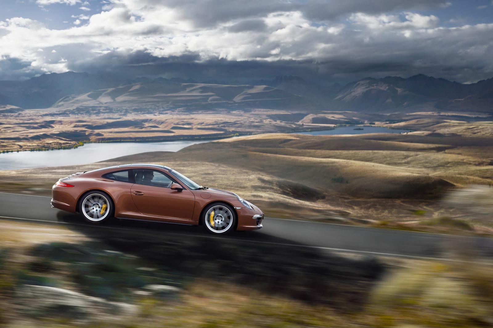 Porsche_911_Carrera_4_10