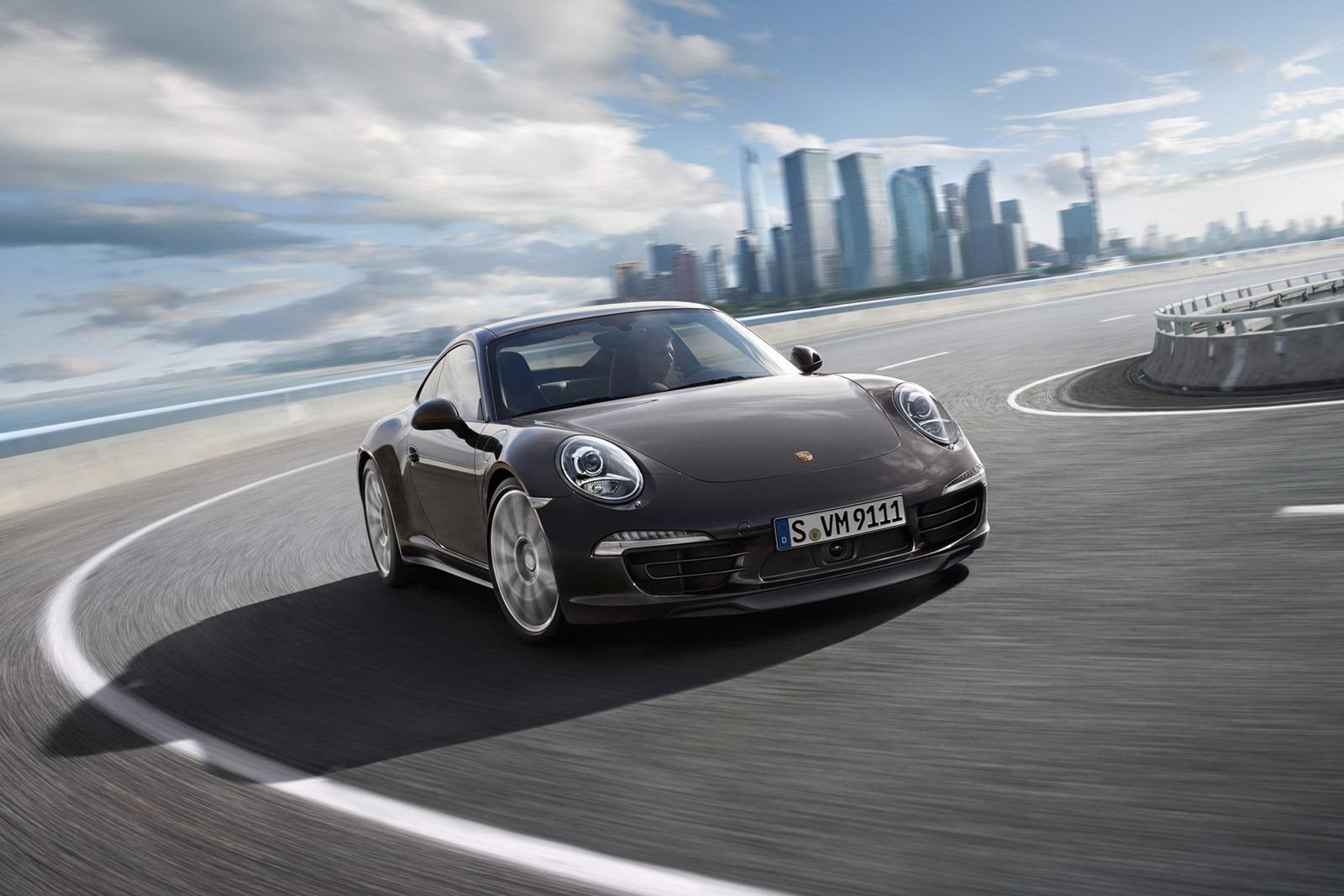 Porsche_911_Carrera_4_14