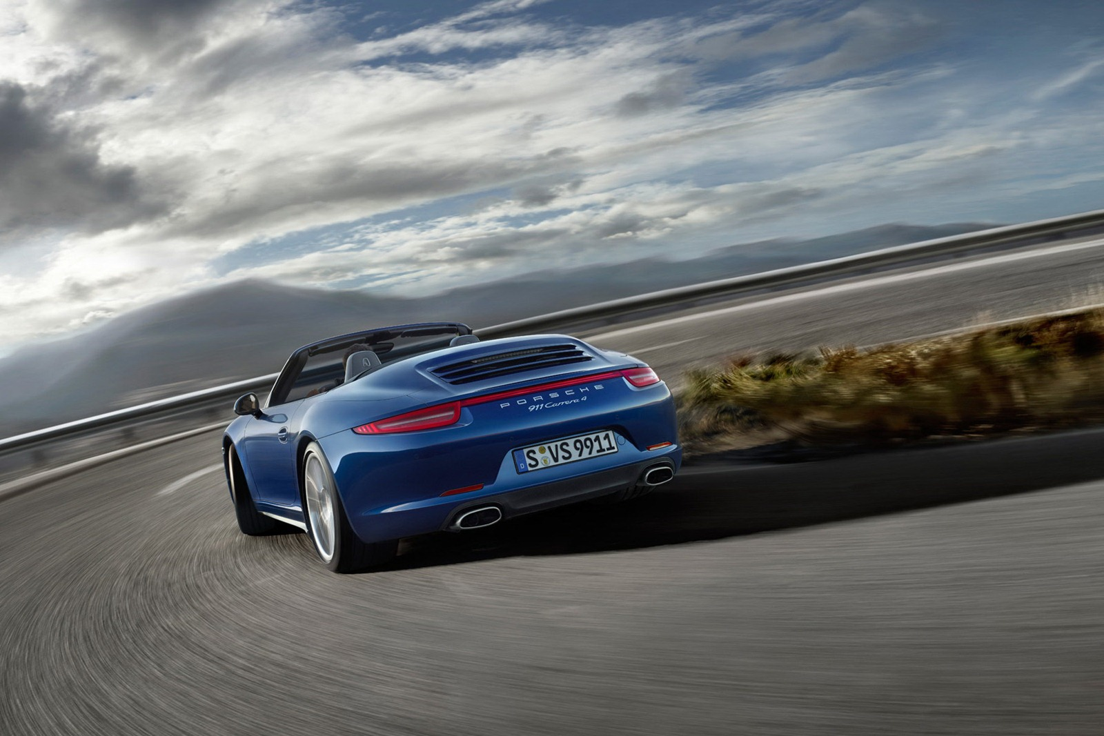 Porsche_911_Carrera_4_15