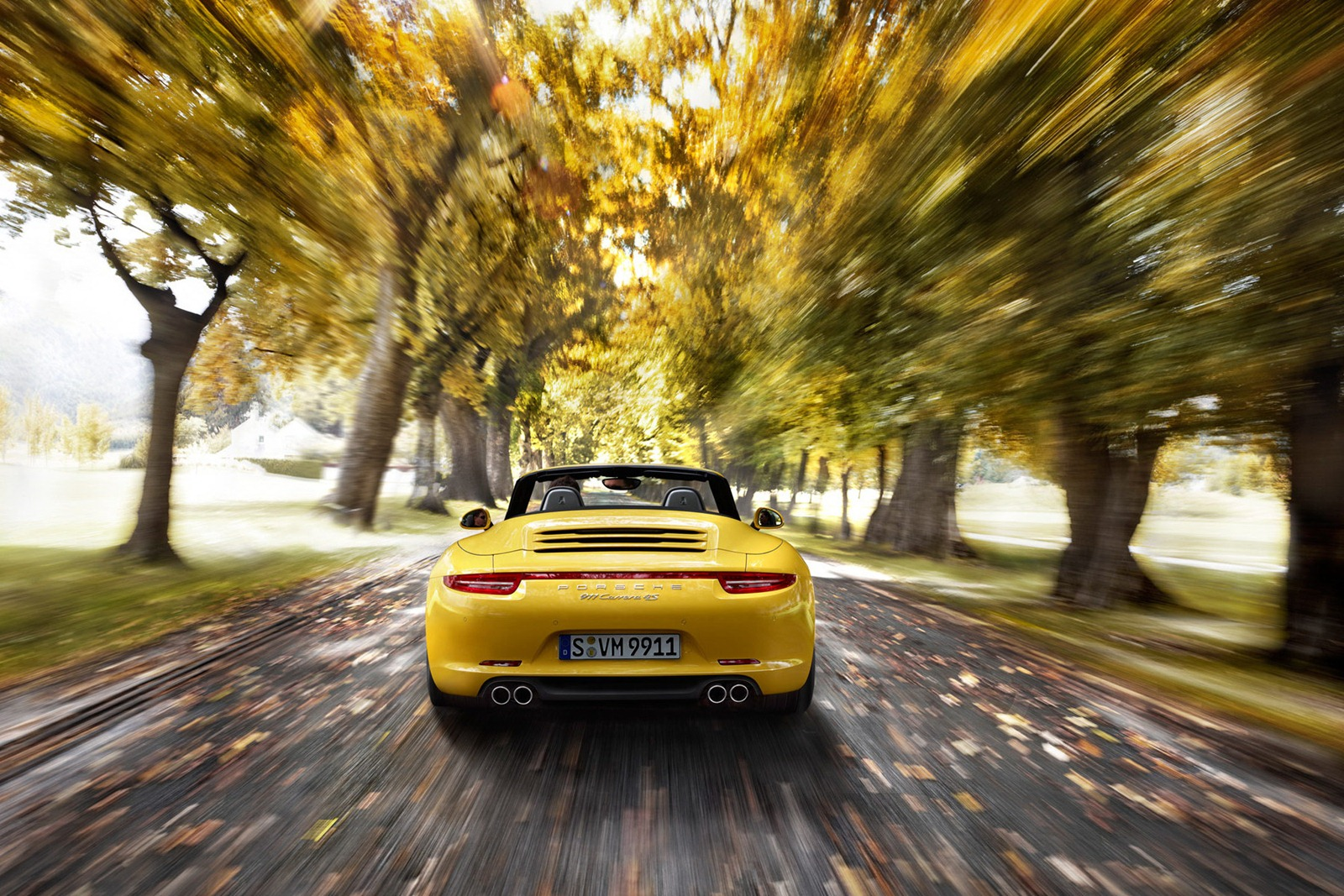 Porsche_911_Carrera_4_19